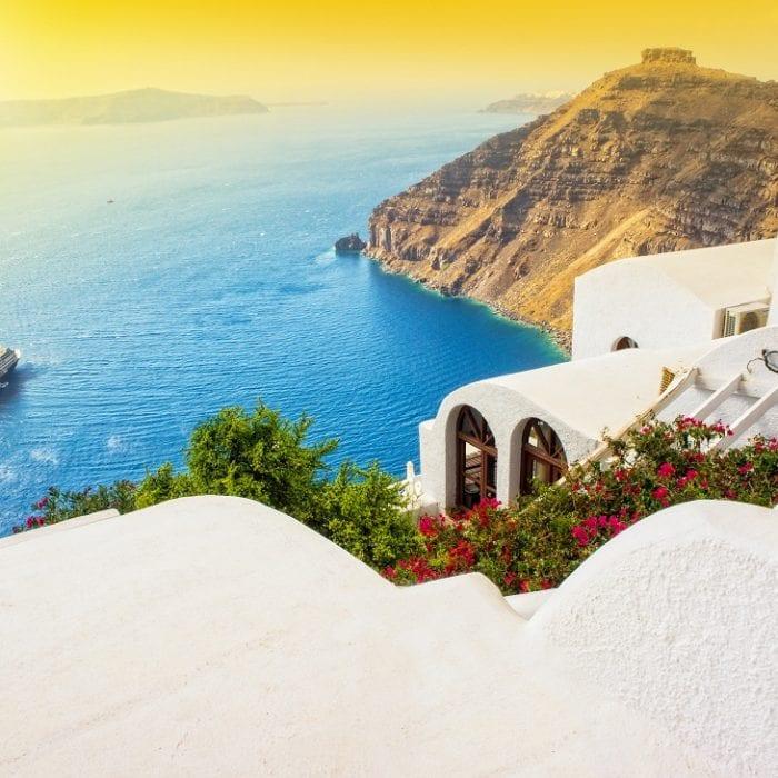 The Telegraph: Η Ελλάδα πρώτος προορισμός μετά την κρίση του κορωνοϊού